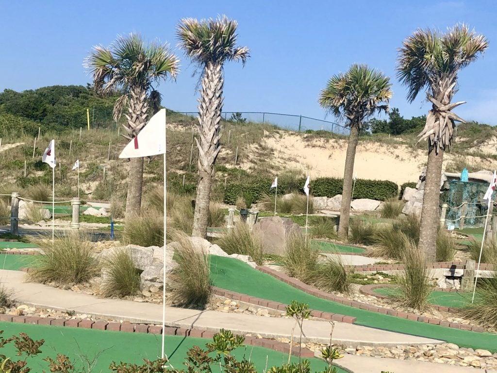 mini golf course at atlantic beach town park