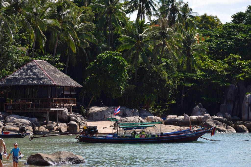 learning to scuba dive around koh tao