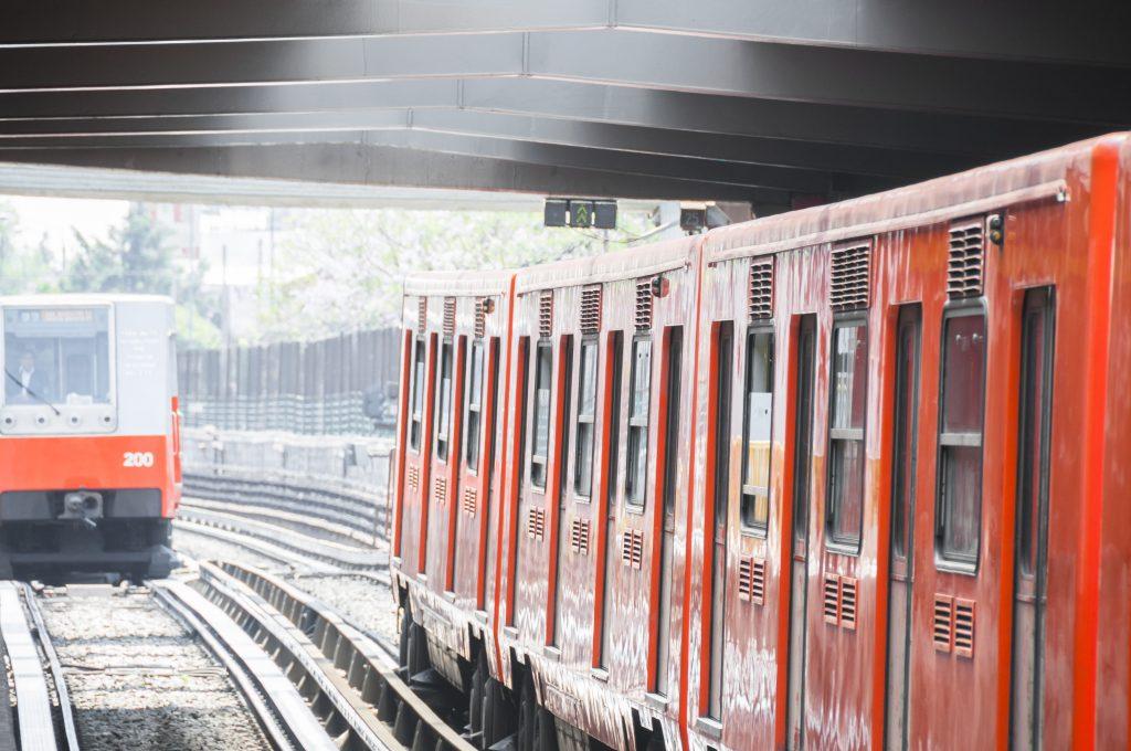 orange subway trains in mexico city metro