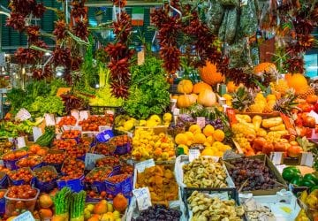 Things to Eat in Florence: Mercato Centrale Fruit & Vegetable Stand