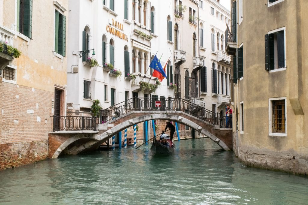 Best quotes about Italy: gondola in Venice