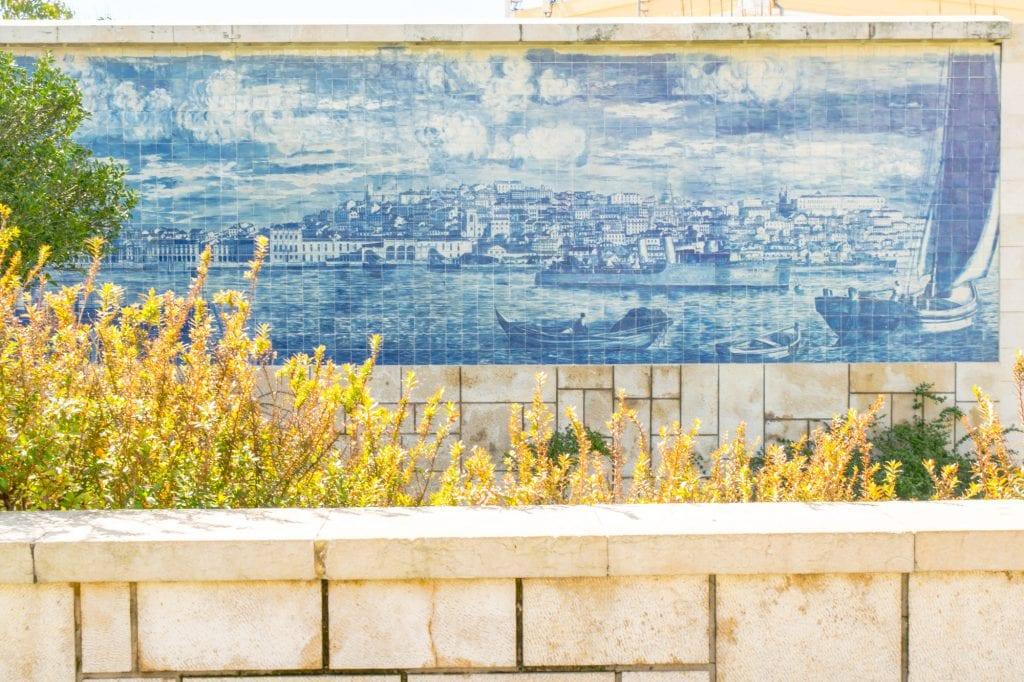 4 Days in Lisbon: Tiled Buildings