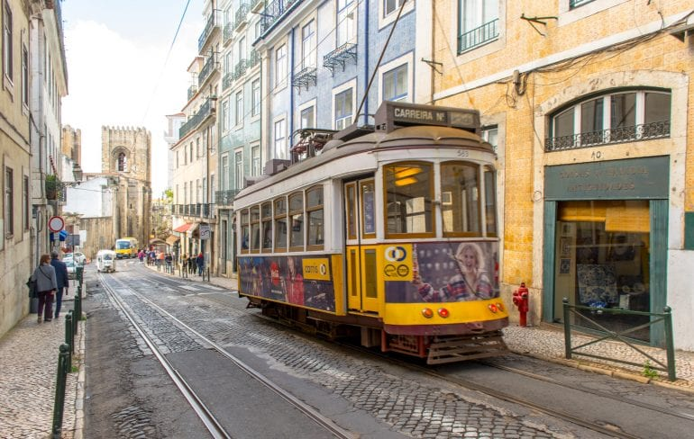 4 Days in Lisbon: Street Car Alfama District