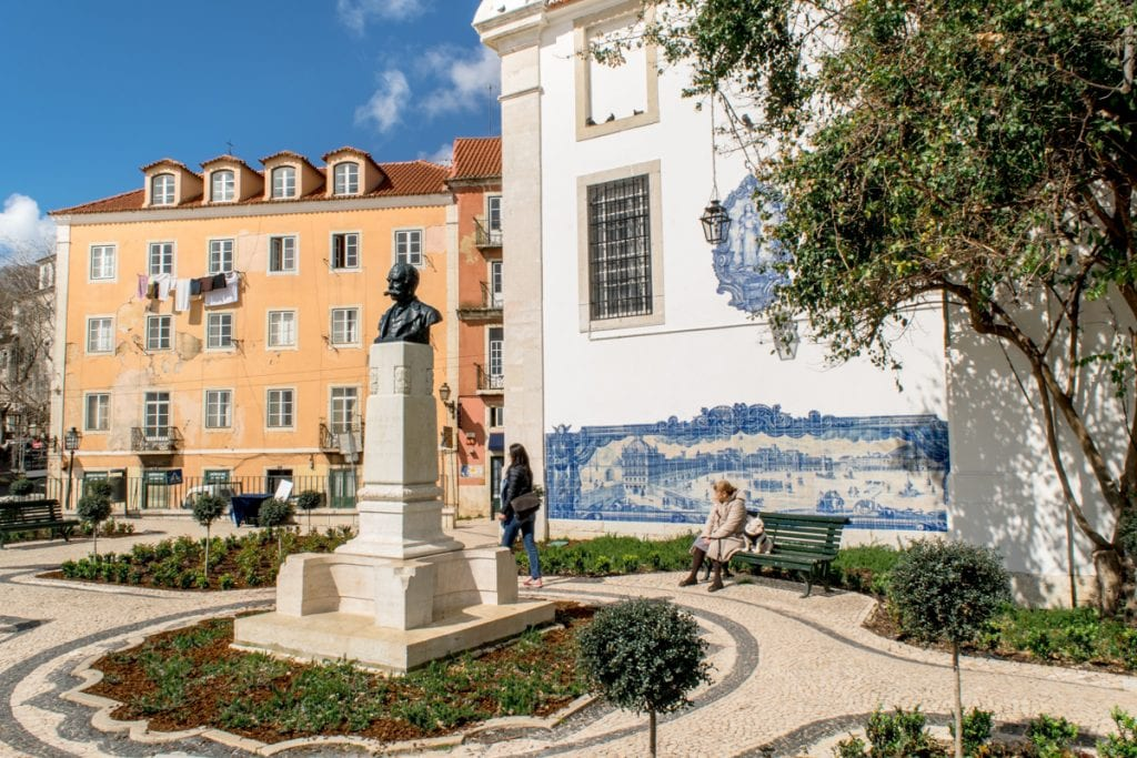 4 Days in Lisbon: Alfama District