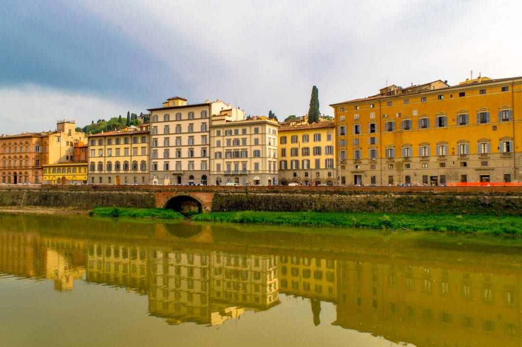 What to Do in Florence: Arno River