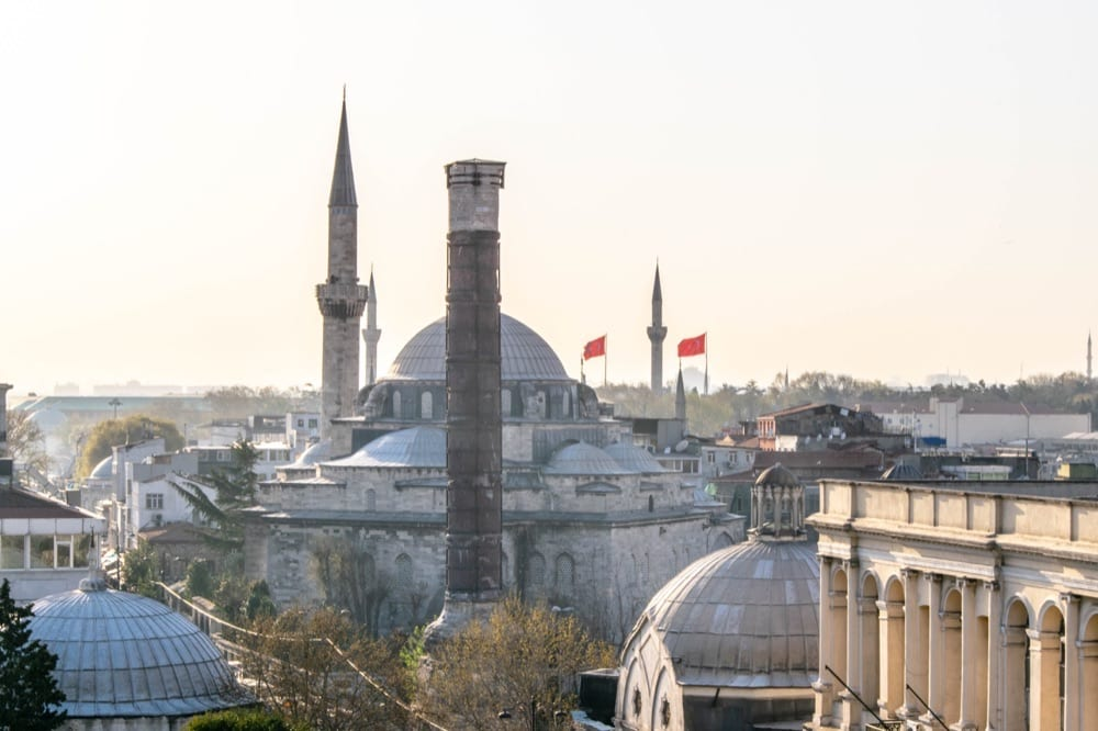 Fun Things to Do in Istanbul: Mosque