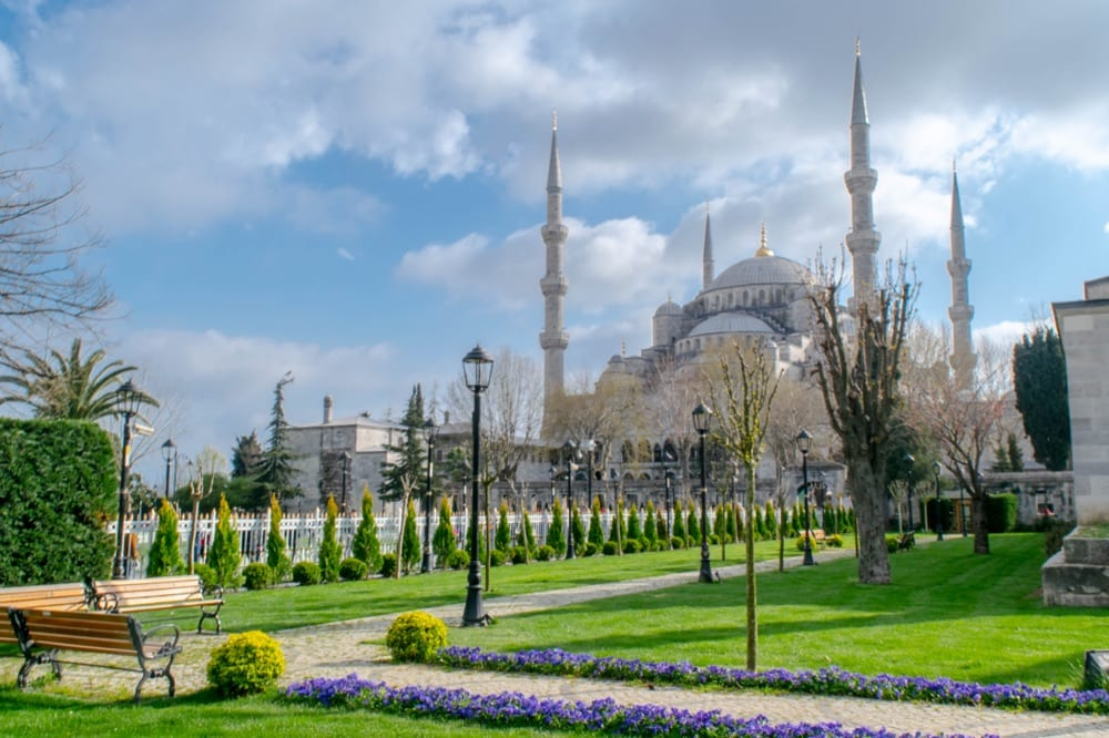 Fun Things to Do in Istanbul: Blue Mosque in Sultanahmet