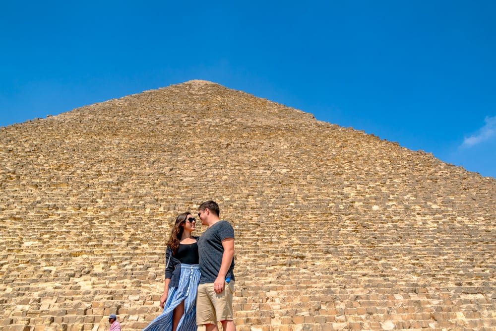 kate storm and jeremy storm in front of great pyramid giza