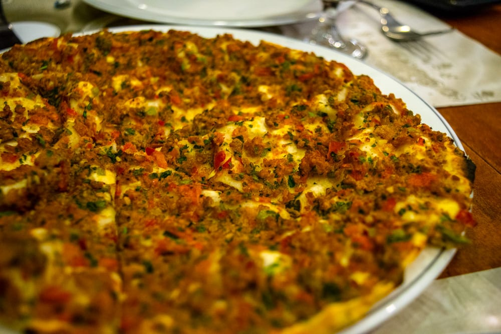 Food in Istanbul: Lahmacun