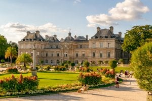 luxembourg gardens in summer, one of the best paris bucket list destinations and best things to do in paris