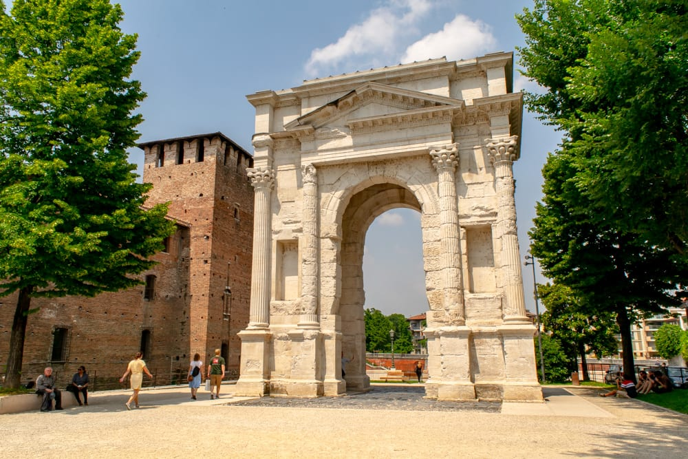 Best Things to Do in Verona: Arco dei Gavi