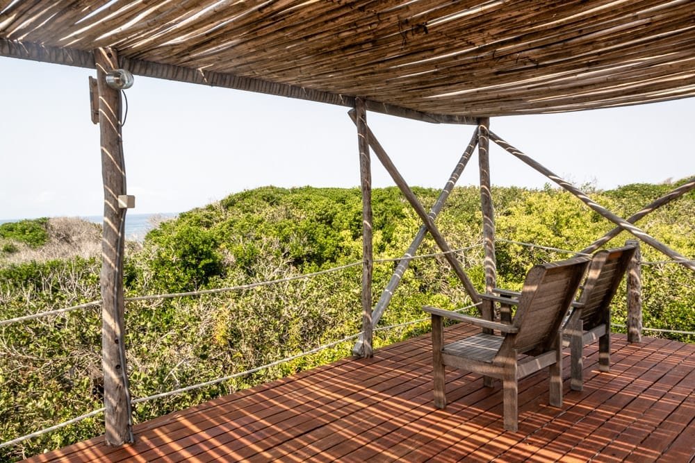 Tofo, Mozambique: Chairs overlooking Ocean