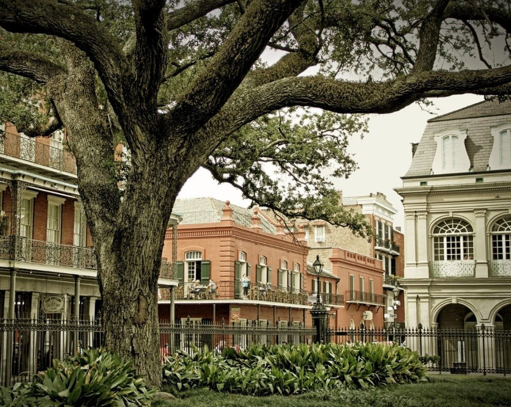Romantic Getaways in USA: Buildings in New Orleans