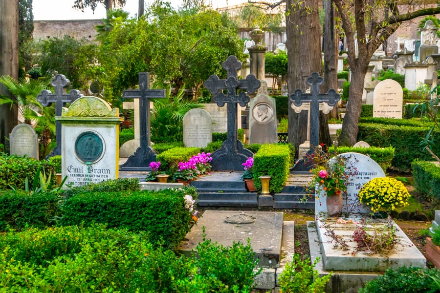 4 Day Rome Itinerary: Non-Catholic Cemetery