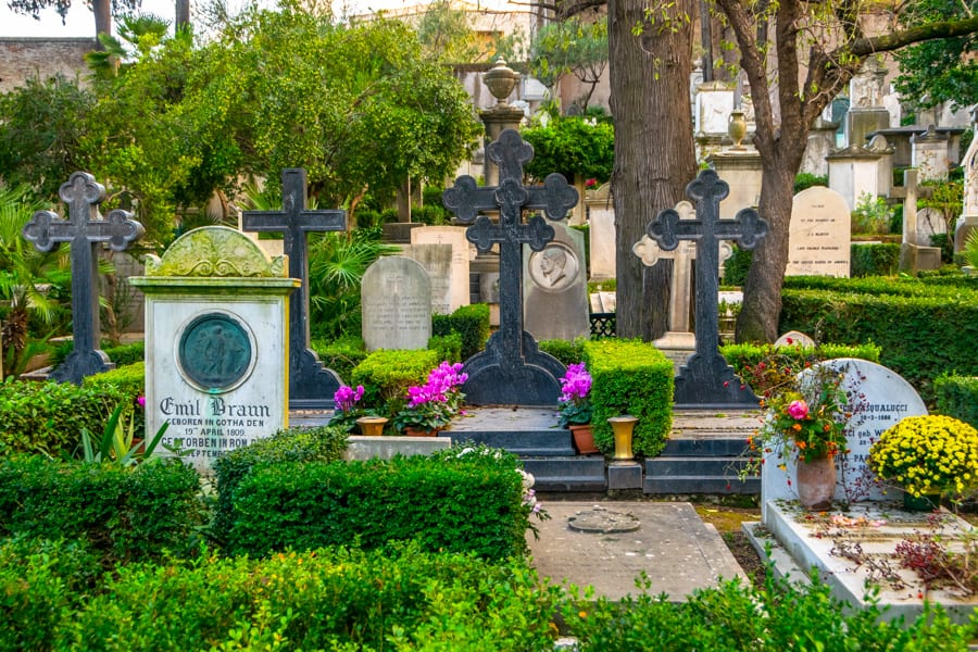 Rome off the beaten path: Non-Catholic Cemetery in Rome