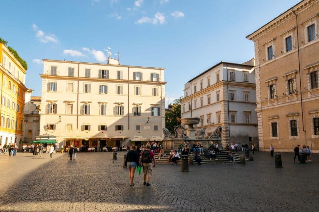 Piazzas in Rome: Piazza di Santa Maria