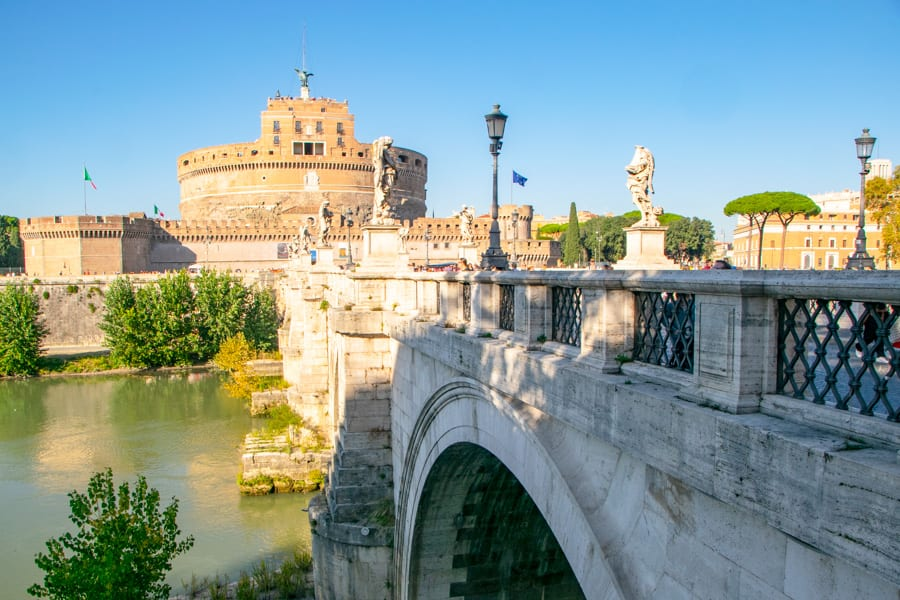 Where to Propose in Italy: Rome Proposal on Ponte Sant'Angelo