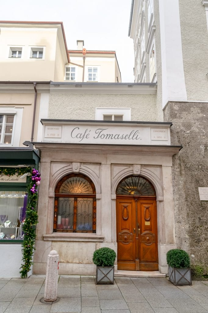 Salzburg in Winter: Cafe Tomaselli