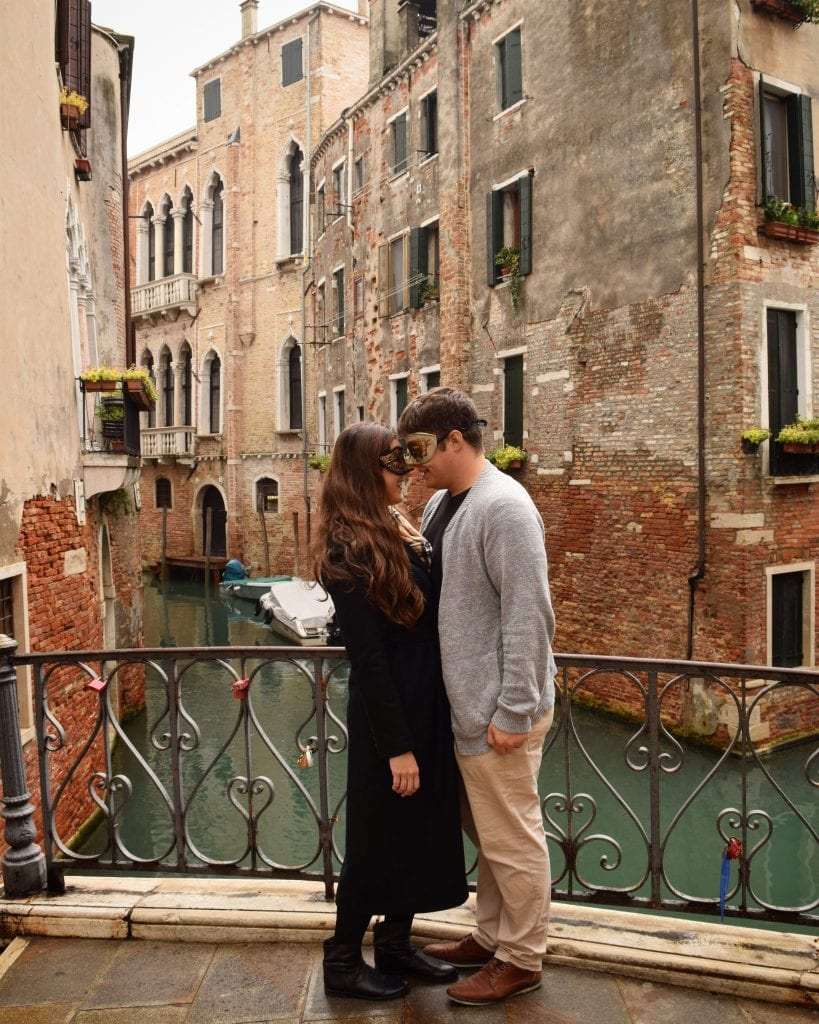Where to Propose in Italy: Venice Proposal on a Small Bridge