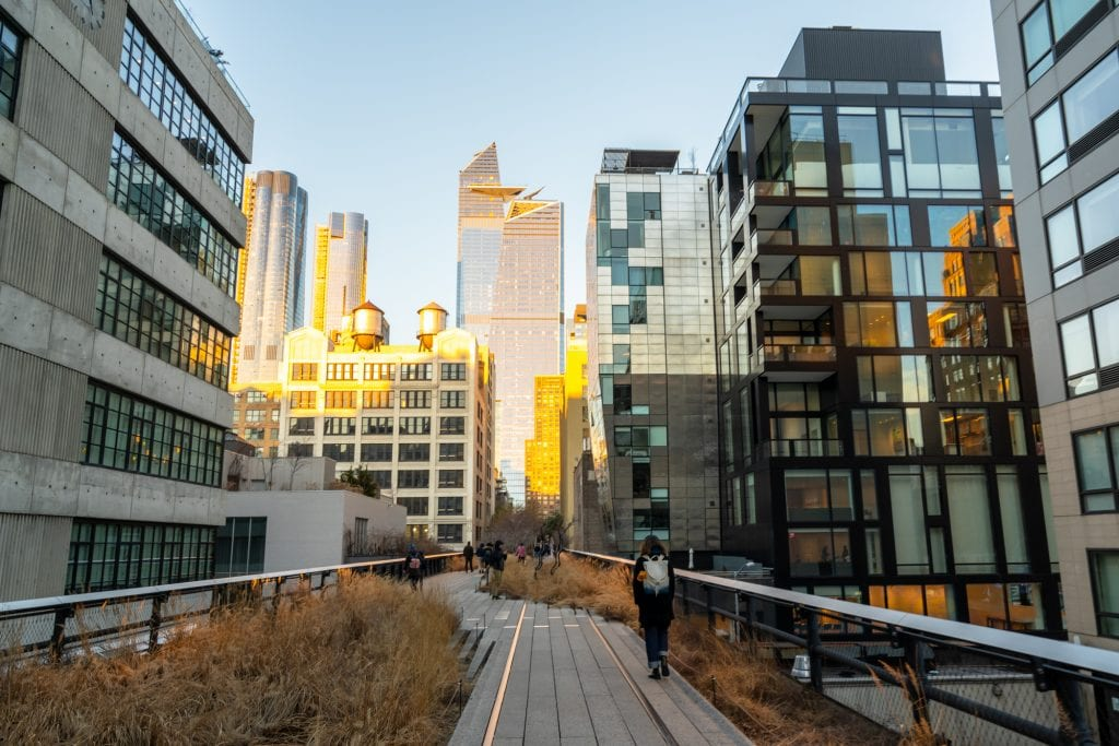 New York in 4 Days: The High Line with Buildings