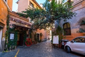 Rome off the beaten path: small corner restaurant in Trastevere