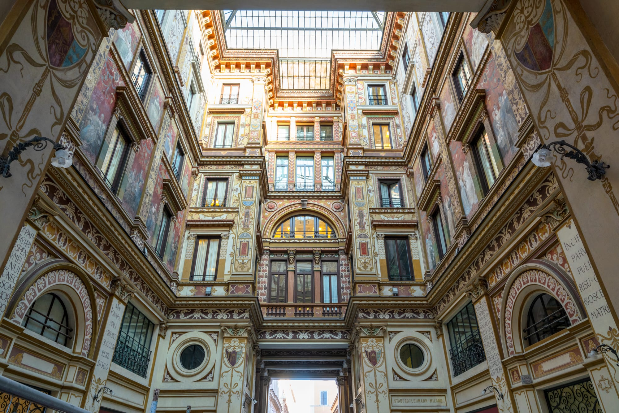 Rome off the beaten path: view of Galleria Sciarra looking up
