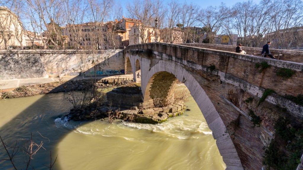 Rome off the beaten path: bridge to Tiber Island