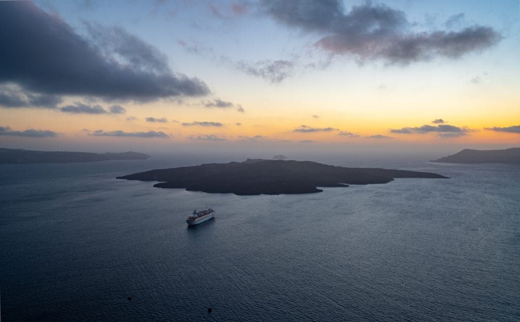 Sunset over Nea Kameni, 3 days in Santorini Itinerary
