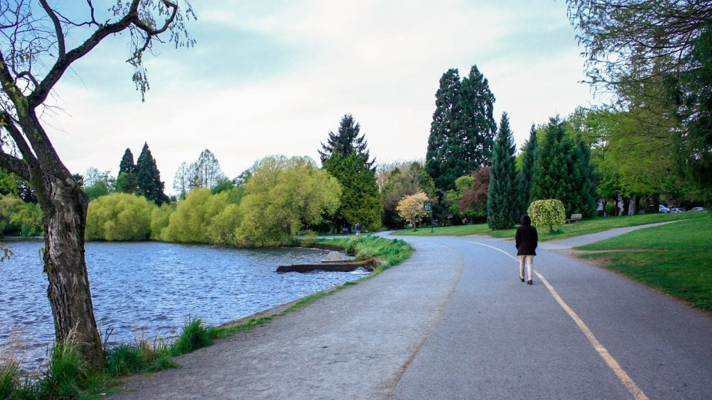 Green Lake trail in Seattle WA, a great addition to a long weekend in Seattle itinerary