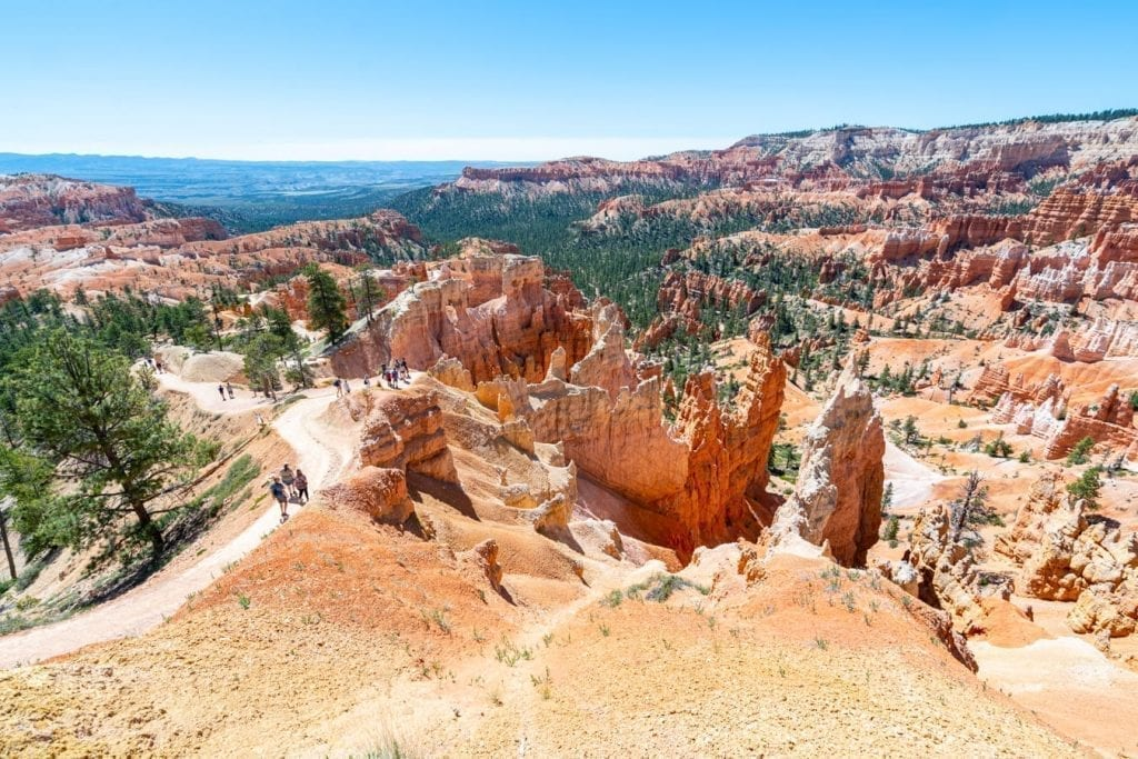 Queen's Garden Trail in Bryce Canyon NP with hikers descending down it, as seen during a Utah national parks road trip