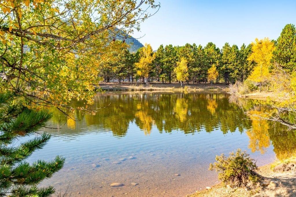 lake estes in the fall