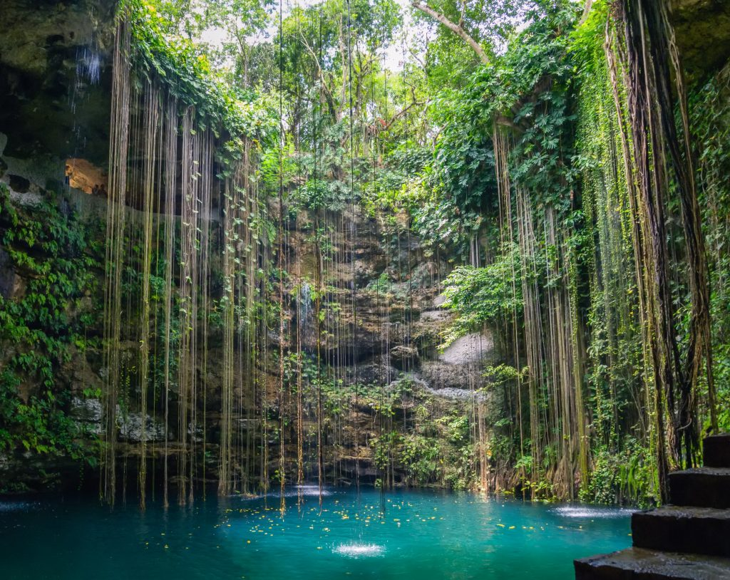 cenote ik kil with no people in it