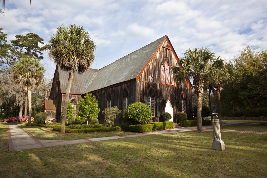 church of the cross in bluffton sc, one of the best savannah day trip ideas
