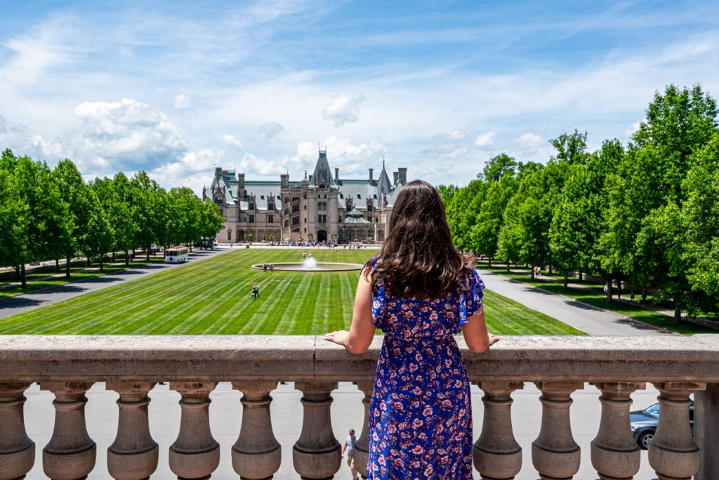 kate storm overlooking front facade of biltmore house when visiting biltmore asheville nc