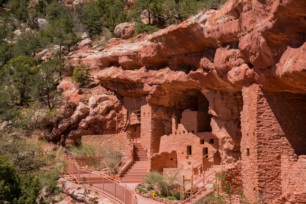 manitou cliff dwellings as seen from the side