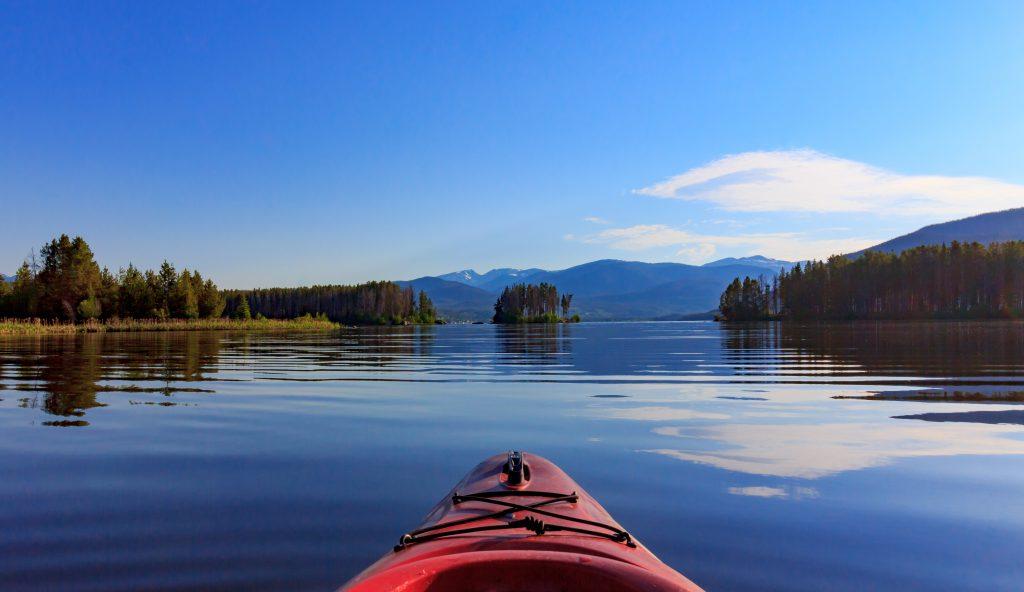 red kayak in grand lake co