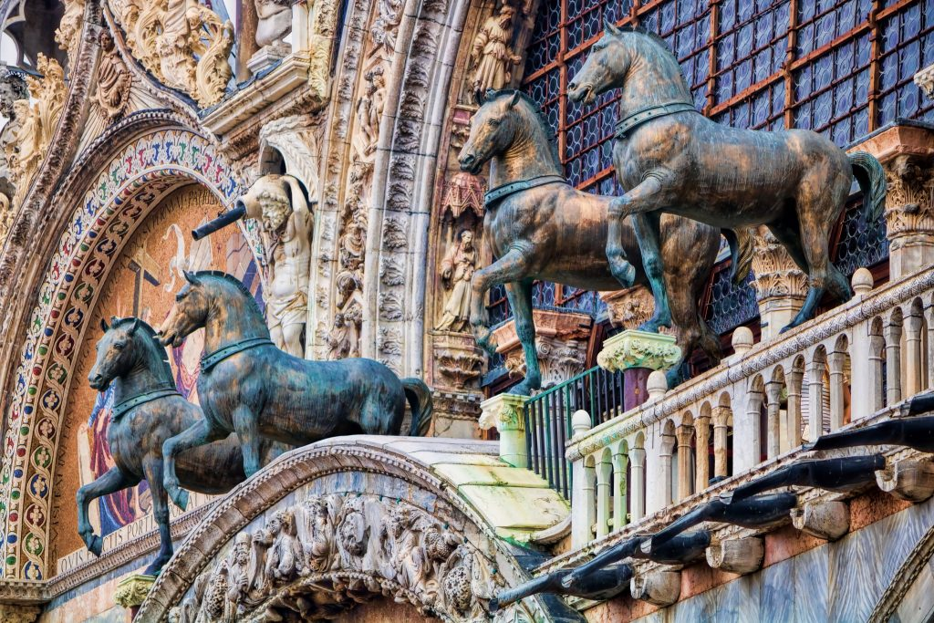 the 4 horses of st mark square on st marks basilica