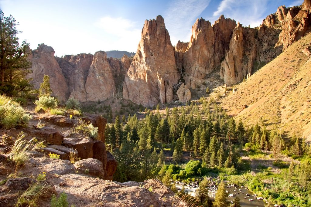 rock formations in smith rock state park bend oregon