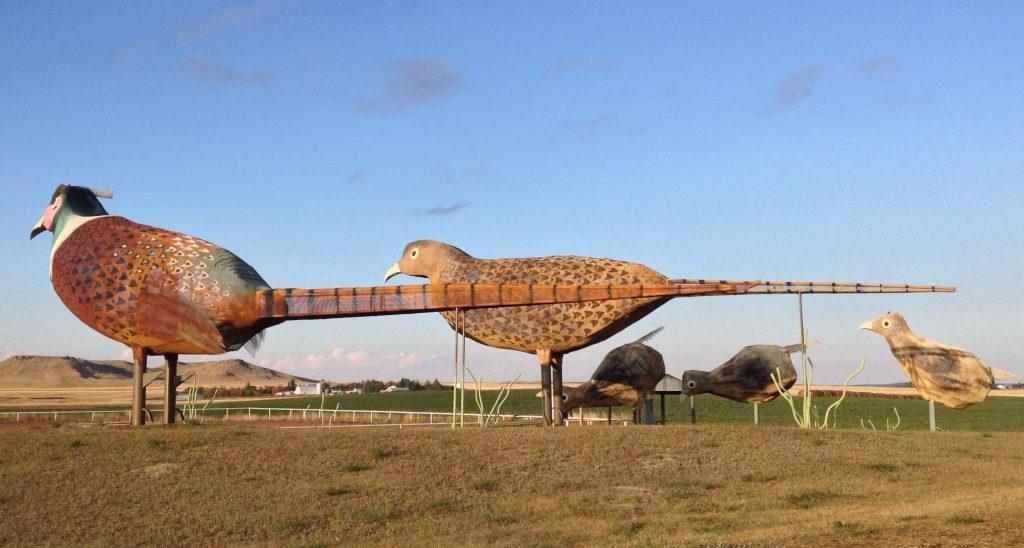 giant bird statues on enchanted highway north dakota