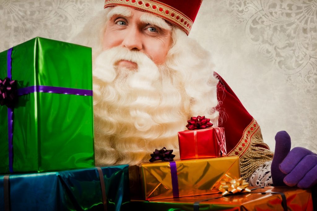 photo of sinterklaas with presents